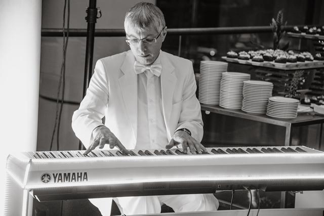 Пианист на заказ Николай Акритов в Киеве - свадьба, праздник, корпоратив, вечеринка, день рождения, юбилей