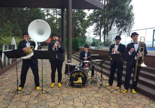 Як замовити духовий оркестр на день народження, свято у Києві?